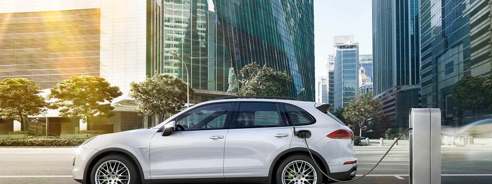 Der Cayenne S E-Hybrid kommt laut Porsche auf einen Normverbrauch von lediglich 3,4 Liter je 100 Kilometer.