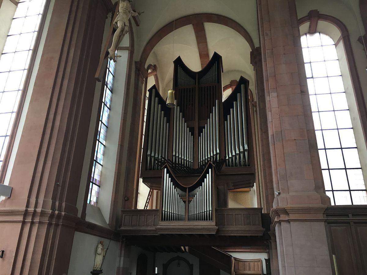 Um den Zustand der Klais-Orgel von 1962 machen sich die Verantwortlichen der Abtei nach dem Brand große Sorgen.