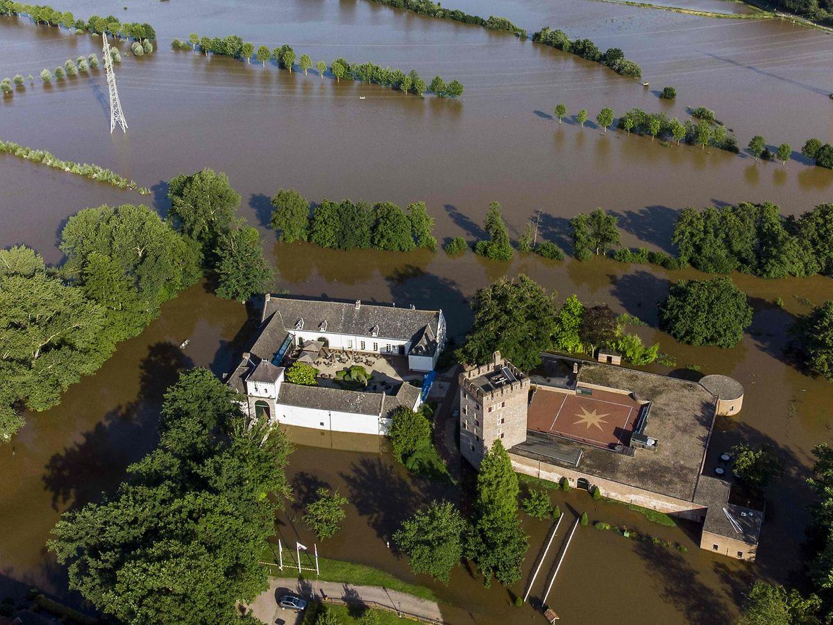 Überschwemmungen in Herkenbosch bei Roermond (Niederlande).