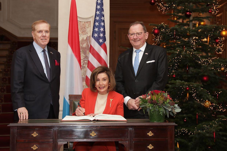 Nancy Pelosi mit Parlamentspräsident Fernand Etgen.