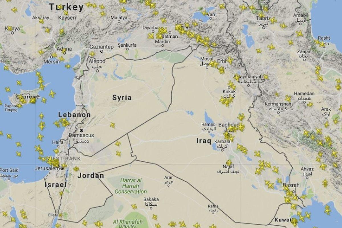 """Der Web-Dienst """"FlightRadar24"""" zeigte am Mittwoch, dass der zivile Luftverkehr in dem gefährdeten Gebiet bereits weitgehend ruht."""