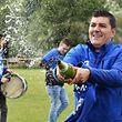 Pedro Teixeira, l'entraineur de Medernach a pu sabrer le champagne, sa formation est championne de Division 2 Série 1.