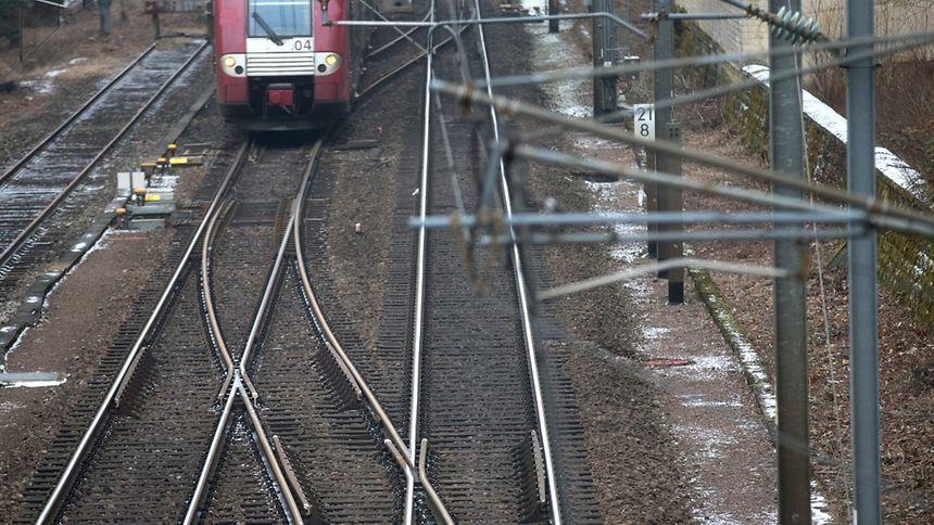 Aucun train ne circulera entre Luxembourg et Bettembourg de 11h à 17h .