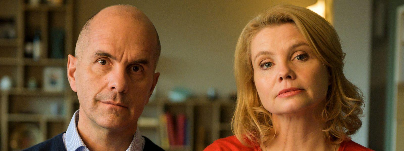Anne (Annette Frier) und ihr Mann Erik (Christoph Maria Herbst) versuchen es noch einmal miteinander, mal schauen, ob es klappt.