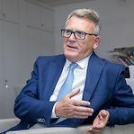 Comissário Nicolas Schmit descarta implementar salário mínimo europeu