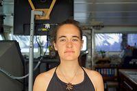 ARCHIV - 20.06.2019, ---, Mittelmeer: HANDOUT - Carola Rackete aus Kiel, deutsche Kapitänin der «Sea-Watch 3», aufgenommen an Bord des Rettungschiffs. (zu dpa «Deutsche Kapitänin des Migranten-Rettungsschiffes «Sea-Watch 3» fordert italienischen Innenminister Salvini heraus») Foto: Till M. Egen/Sea-Watch.org/dpa - ACHTUNG: Nur zur redaktionellen Verwendung und nur mit vollständiger Nennung des vorstehenden Credits +++ dpa-Bildfunk +++