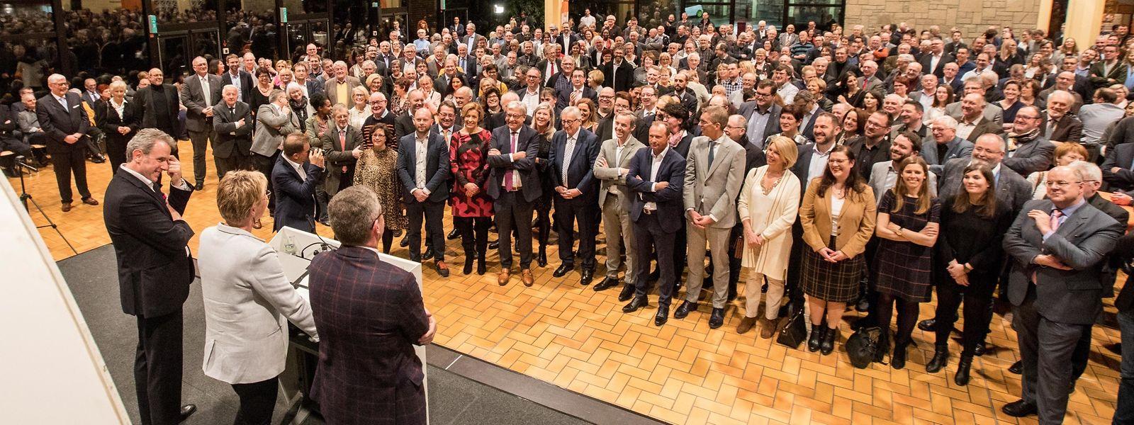 Die CSV würdigte die Arbeit des früheren Staatsministers und EU-Kommissionspräsidenten Jean-Claude Juncker (erste Reihe, 5.v.l.).