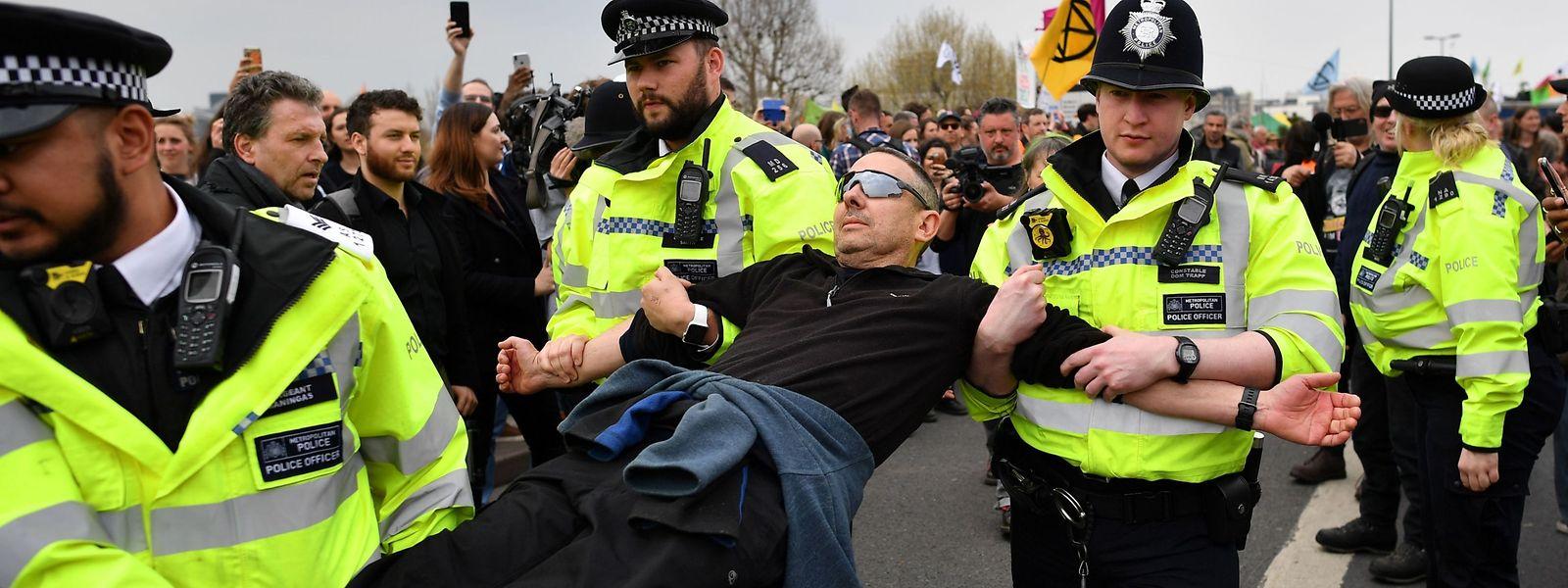 """Die Bewegung """"Ectinction Rebellion"""" hatte zu Protesten aufgerufen, die weitgehend friedlich verliefen."""