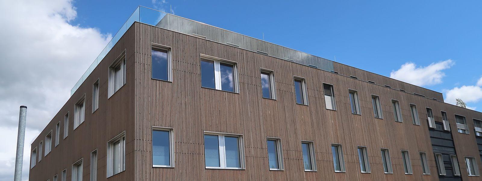 Von außen ist das Gebäude fertiggestellt, innen werden die Räume noch ausgebaut.