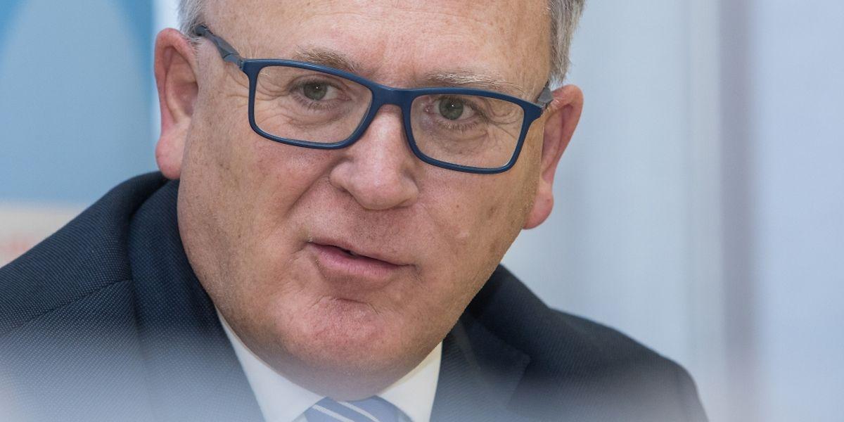 Beschäftigungsminister Schmit hofft, dass der Gesetzesentwurf noch vor der Sommerpause verabschiedet werden kann.