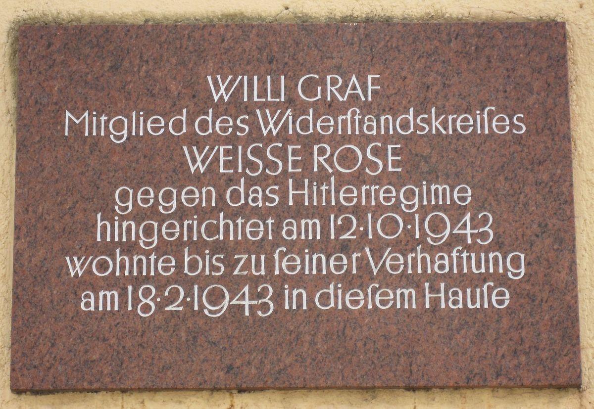 Gedenkplatte für Willi Graf an seinem letzten Wohnort in der Münchner Mandlstraße