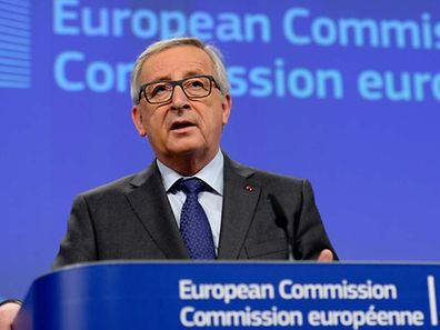 European Union Commission President Jean-Claude Juncker holds a press conference following a meeting with the French prime minister at the EU headquarters in Brussels on March 23, 2016. / AFP PHOTO / THIERRY CHARLIER