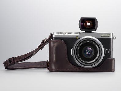 Zum Themendienst-Bericht vom 4. Februar 2016: Fujifilms X70 kommt mit APS-C-Sensor und einem Objektiv mit 28 Millimetern Brennweite (KB-�quivalent).  (ACHTUNG - HANDOUT - Nur zur redaktionellen Verwendung im Zusammenhang mit dem genannten Text und nur bei vollst�ndiger Nennung der Quelle. Die Ver�ffentlichung ist f�r dpa-Themendienst-Bezieher honorarfrei.) Foto: Fujifilm