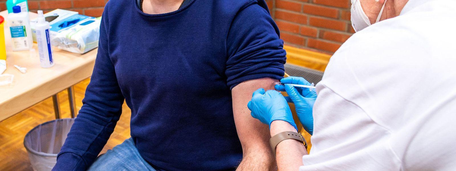 Bevor eine Impfkampagne in den Unternehmen stattfinden kann, muss genügend Impfstoff zur Verfügung stehen.