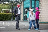 Lokales, Claude Miesch besucht Ribeschpont Schule in Dudelingen, Maske, Maskenpflicht, Schule, Covid-19, Corona, Foto: Lex Kleren/Luxemburger Wort
