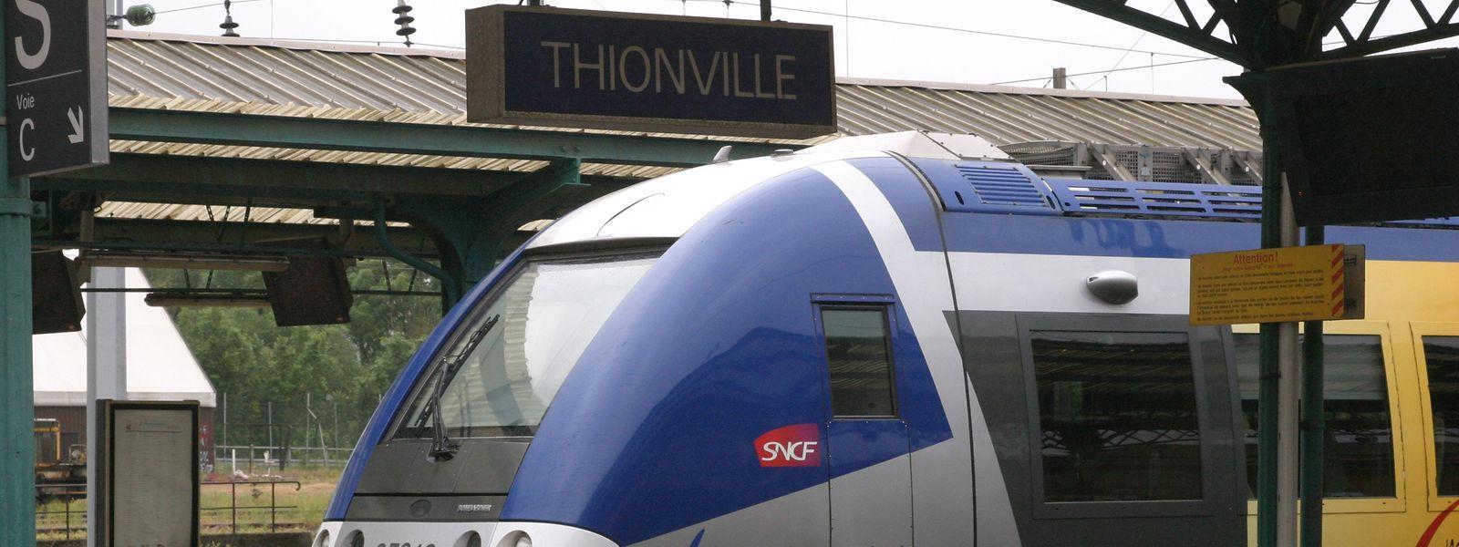 «Un peu plus de trois trains sur quatre», circulent ce lundi matin entre Metz et Luxembourg, assure la SNCF.