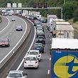 Vor und hinter der luxemburgisch-belgischen Grenze stauen sich täglich Autos.