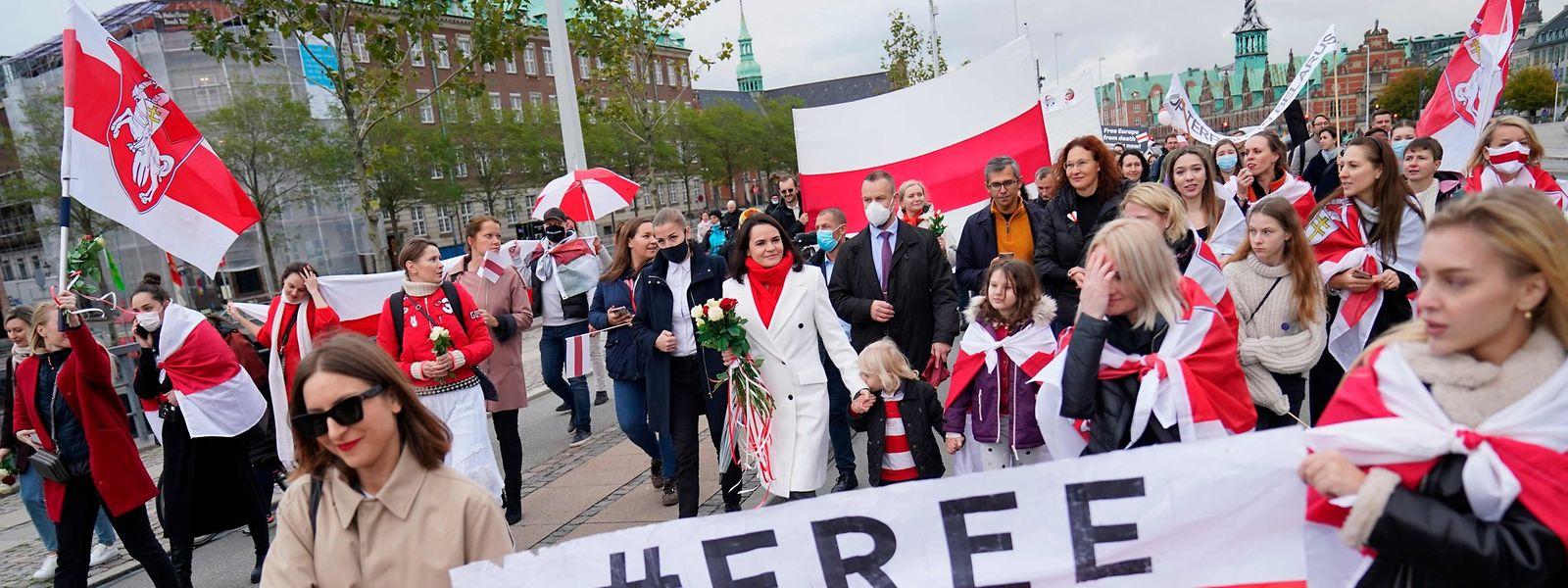 Die Oppositionsführerin Swetlana Tichanowskaja beiteiligt sich an Demonstrationen gegen Lukaschenko in Dänemark.