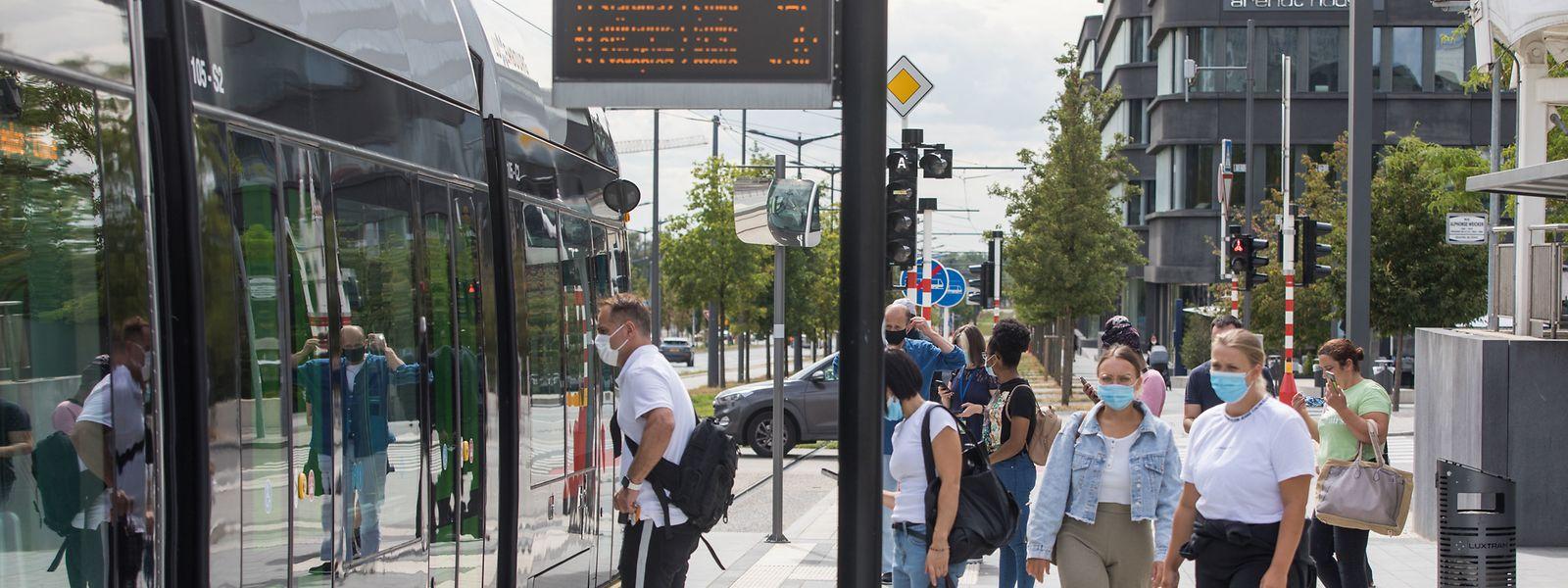 Sicherheit geht vor: In den vergangenen Tagen wurden bei 1.115 Kontrollen in 100 städtischen Bussen lediglich 13 Personen ohne Mundschutz verzeichnet.