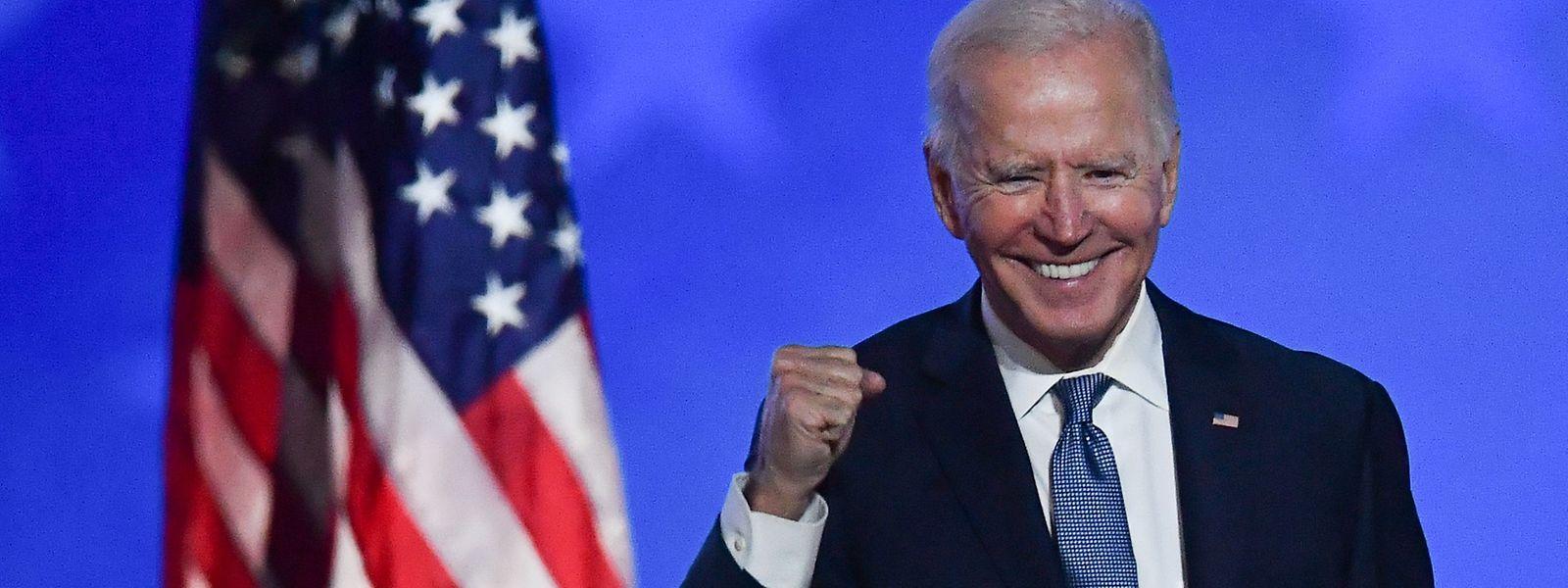 "Strahlender Sieger, aber noch nicht offiziell ""president elect"": Joe Biden."