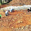 Eine Ferienaktivität der besonderen Art erlebten rund 25 Jugendliche an der Ausgrabungsstelle in Goeblingen.