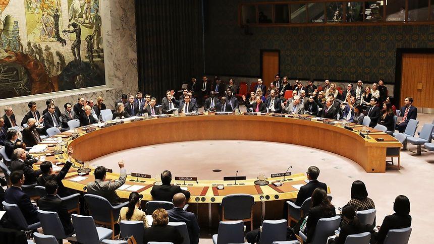 Das höchste UN-Gremium hatte erstmals 2006 Sanktionen gegen Nordkorea verhängt und diese zuletzt im September verschärft. Wirkung gezeigt hat bisher keine dieser Strafmaßnahmen.