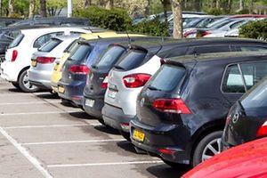 10.5. Parking Kockelscheuer / Problematik Leasingautos als Dauerparker Foto:Guy Jallay