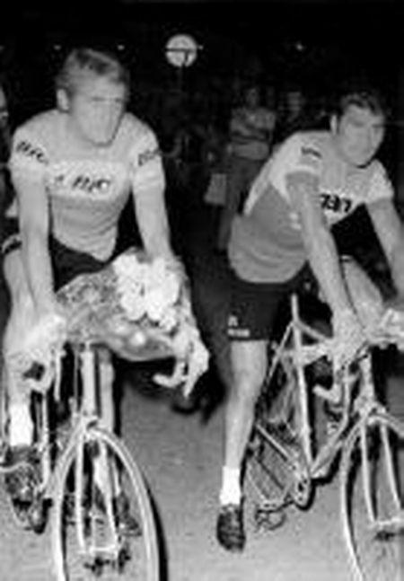 Johny Schleck et Raymond Poulidor lors du Tour de Luxembourg 1974.