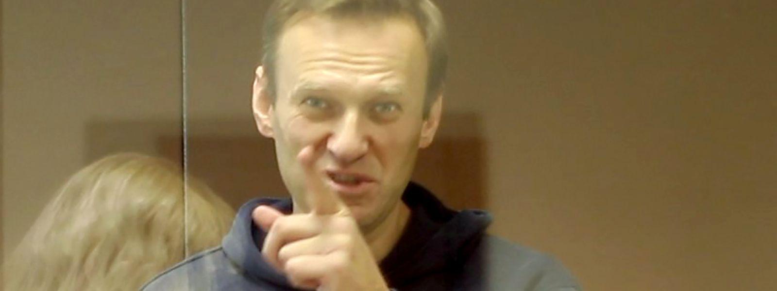 """Nawalny hatte im vorigen Jahr Protagonisten eines Propagandavideos zur umstrittenen Verfassungsänderung als """"Verräter"""" bezeichnet."""