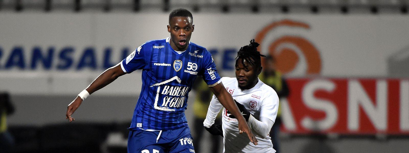 Christopher Martins (l.) spielte vergangene Saison in Troyes.