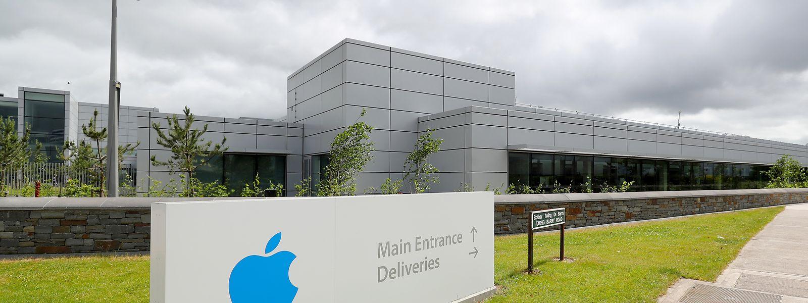 """Ein Blick auf die europäische Zentrale des Technologieunternehmens Apple im Hollyhill Industriepark im irischen Cork. (Zu dpa """"Apple und EU-Kommission streiten vor Gericht um 13 Milliarden Euro"""") Foto: Niall Carson/PA Wire/dpa +++ dpa-Bildfunk +++"""