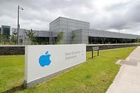 """ARCHIV - 20.06.2018, Irland, Cork: Ein Blick auf die europäische Zentrale des Technologieunternehmens Apple im Hollyhill Industriepark. (Zu dpa """"Apple und EU-Kommission streiten vor Gericht um 13 Milliarden Euro"""") Foto: Niall Carson/PA Wire/dpa +++ dpa-Bildfunk +++"""