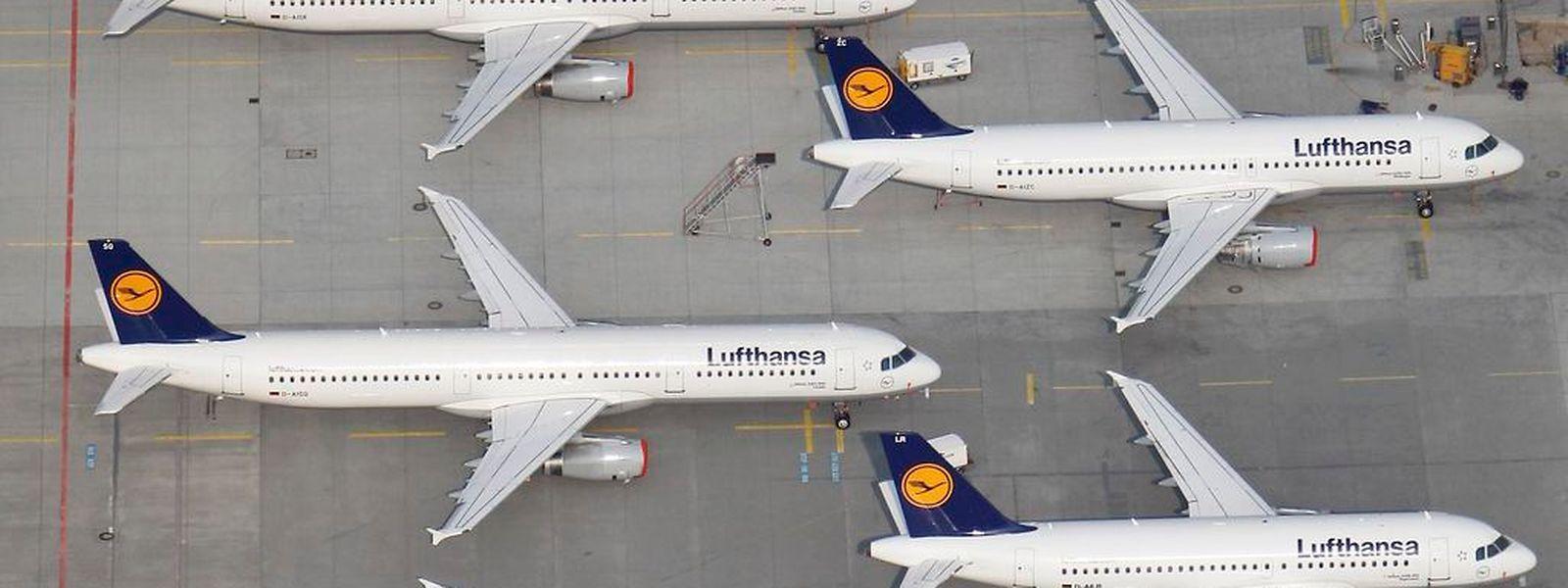 Zahlreiche Flieger der Lufthansa bleiben am Montag und Dienstag am Boden.