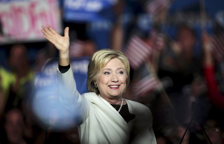 Hillary Clinton ist die Favoritin bei den Demokraten. Sie gewann in Alabama, Arkansas, Georgia, Massachusetts, Tennessee, Texas, Virginia sowie im US-Außengebiet Samoa.
