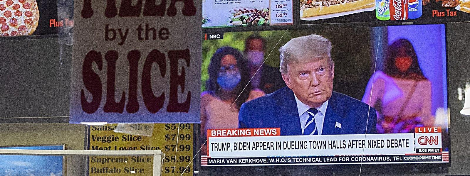 Le temps presse pour Donald Trump. A 19 jours de l'élection présidentielle, le candidat républicain est en retrait dans les sondages.