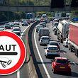 Österreich will gegen die deutsche Pkw-Maut vor den EU-Gerichtshof ziehen.