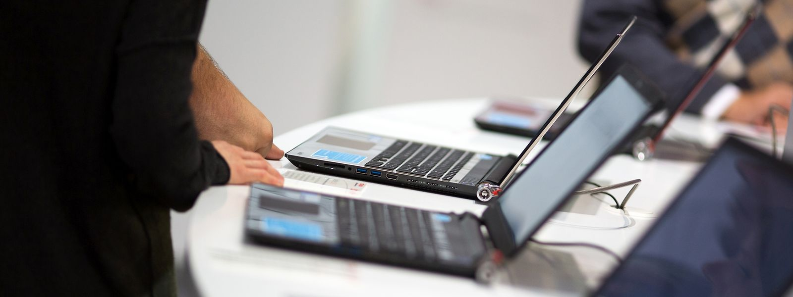 Der Klassiker und Fast-Alleskönner: Allerdings machen Tablets und Tablet-Hybriden dem guten alten Notebook immer öfter Konkurrenz.