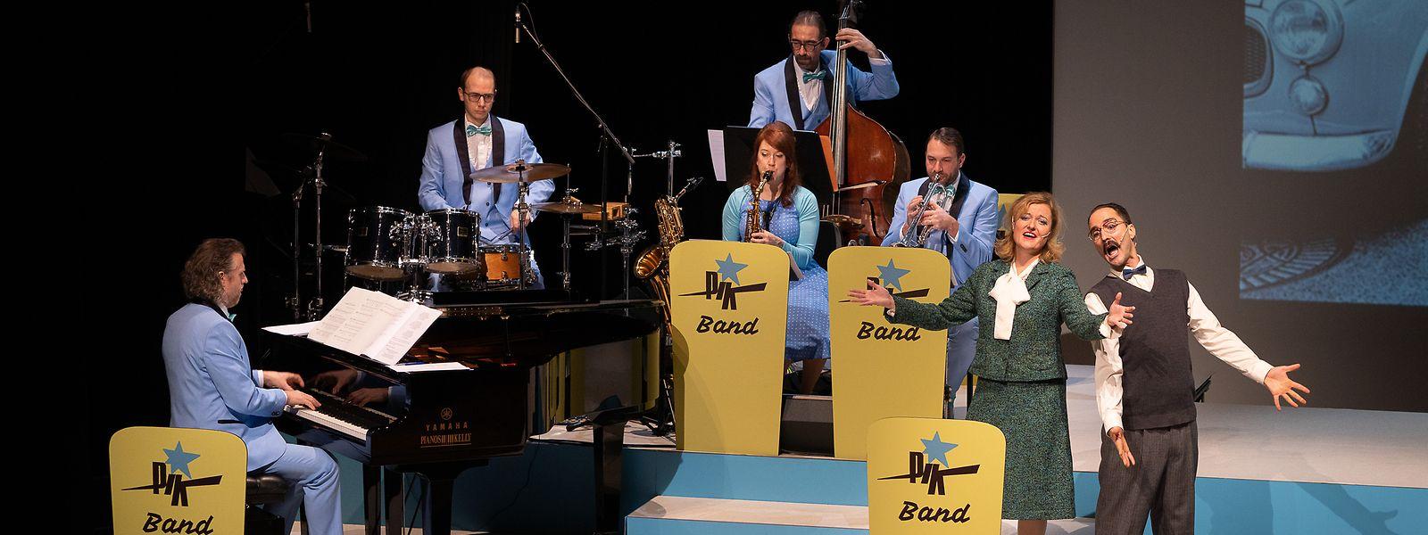 Jeff Elcheroth und Véronique Kinnen neben der Pik-Band