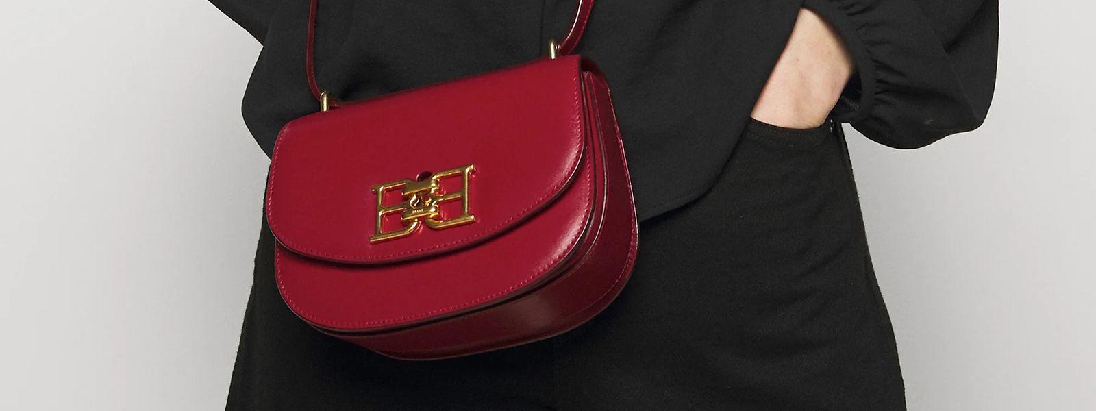 """Kleine Tasche, großes Logo: Mini-Tasche """"Chain"""" von Bally über Zalando.be, um 790 Euro."""