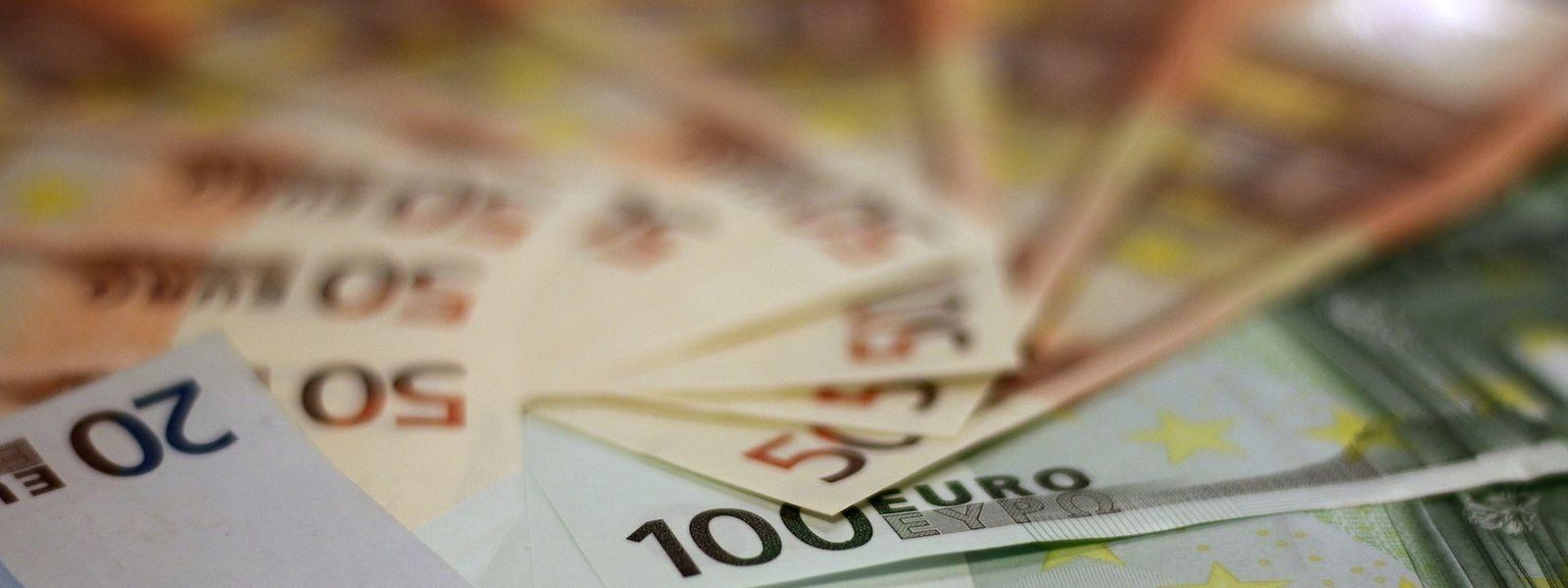 Mindestlohnverdiener können sich rückwirkend zum 1. Januar über mehr Geld in der Tasche freuen.