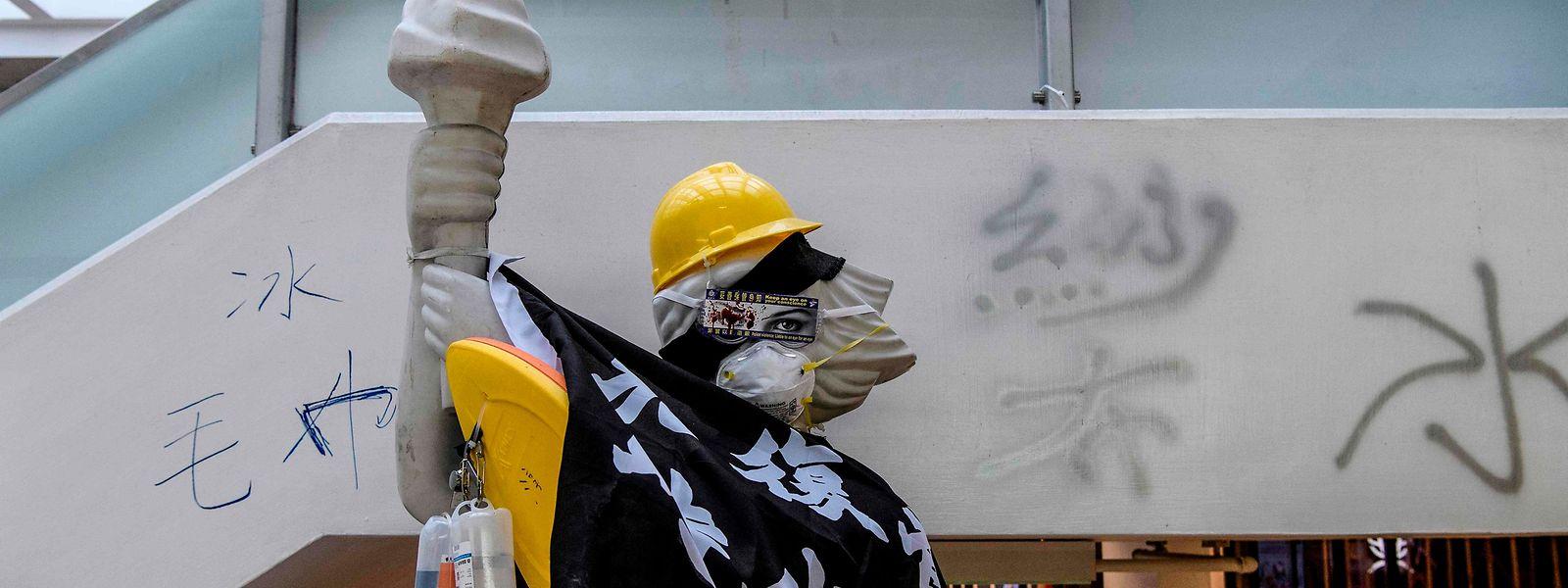 Trotz der im Hongkonger Grundgesetz verankerten Presse- und Meinungsfreiheit, steigt der Einfluss Pekings auf die Berichterstattung.