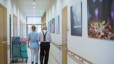 Der Arbeitsalltag der Pfleger und Krankenschwestern sieht, trotz fester Einteilung, jeden Tag anders aus.