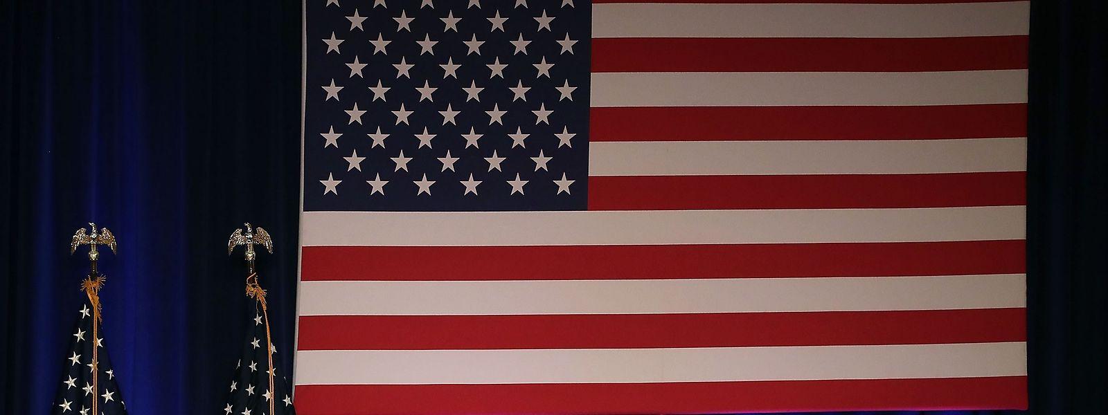 Trumps Strategie beruht auf vier Säulen: dem Schutz des US-Heimatlandes, der Förderung amerikanischen Wohlstandes und wirtschaftlicher Sicherheit, Friedenssicherung durch militärische Stärke und einer Vergrößerung des amerikanischen Einflusses in der Welt.
