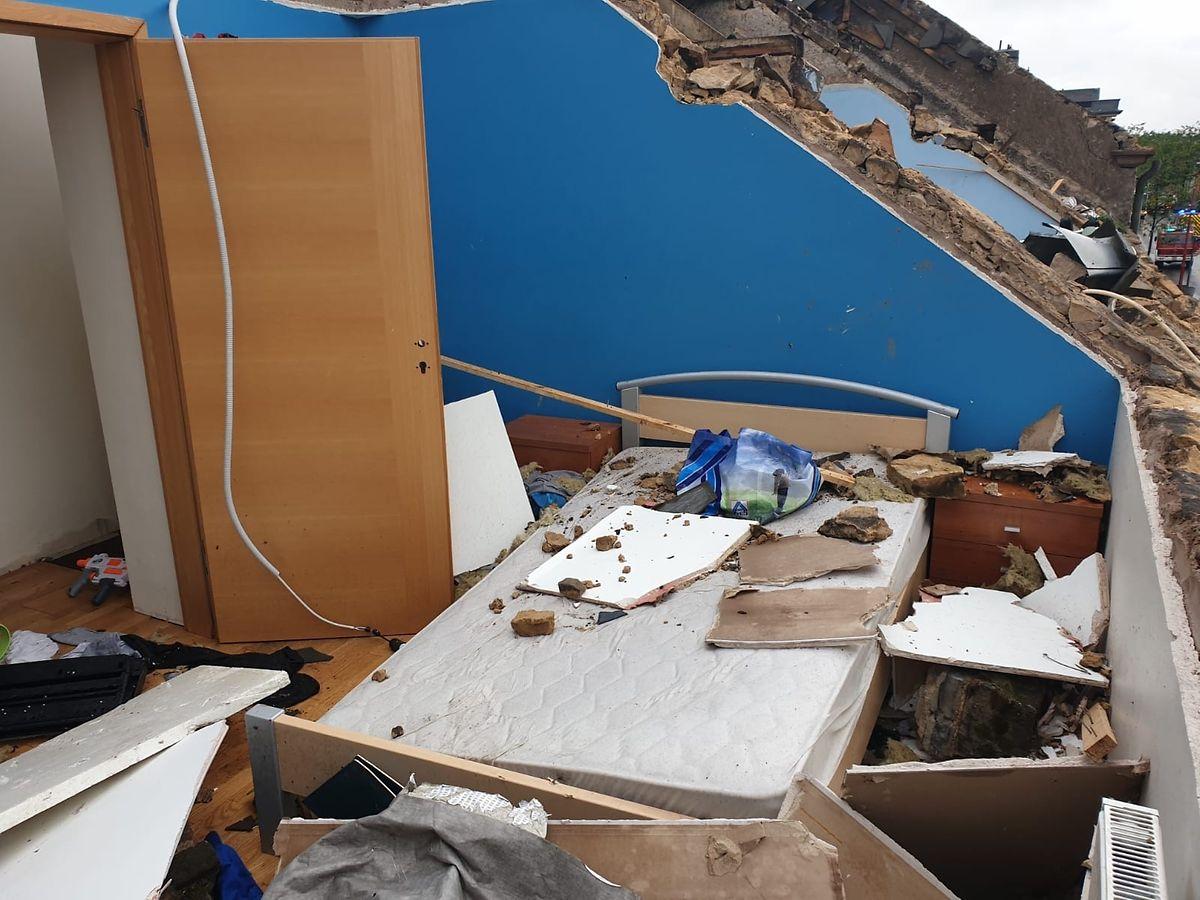 O telhado da casa de Higino foi levado pelo vento forte