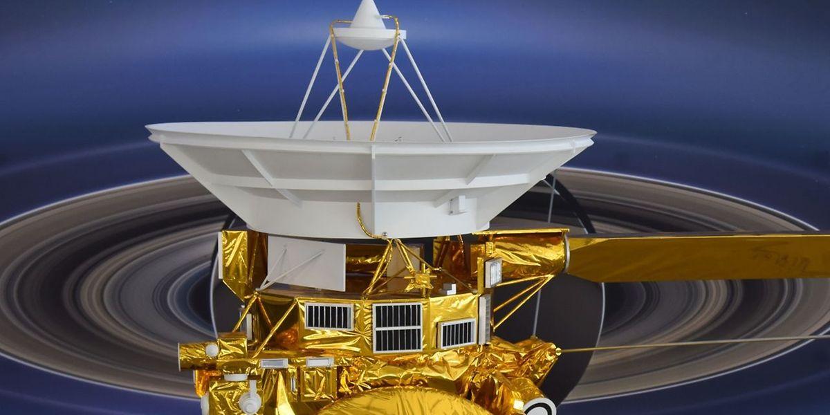 """Die Raumsonde """"Cassini"""" (hier ein Modell) hat am Freitag, 15. September 2017 ihre Mission in den Tiefen des Weltalls erfolgreich beendet."""