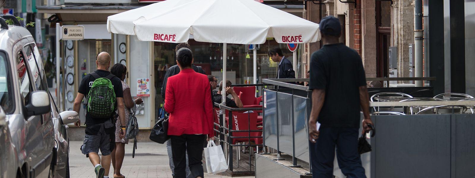 Die Auseinandersetzungen zwischen den Jugendgruppen hatten vor einer Gaststätte in der Escher Avenue de la Gare begonnen.
