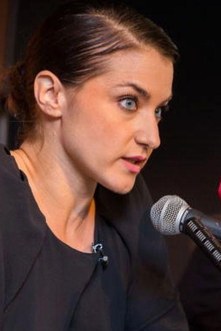 L'artiste Deborah de Robertis lors d'une conférence de presse en septembre 2015.