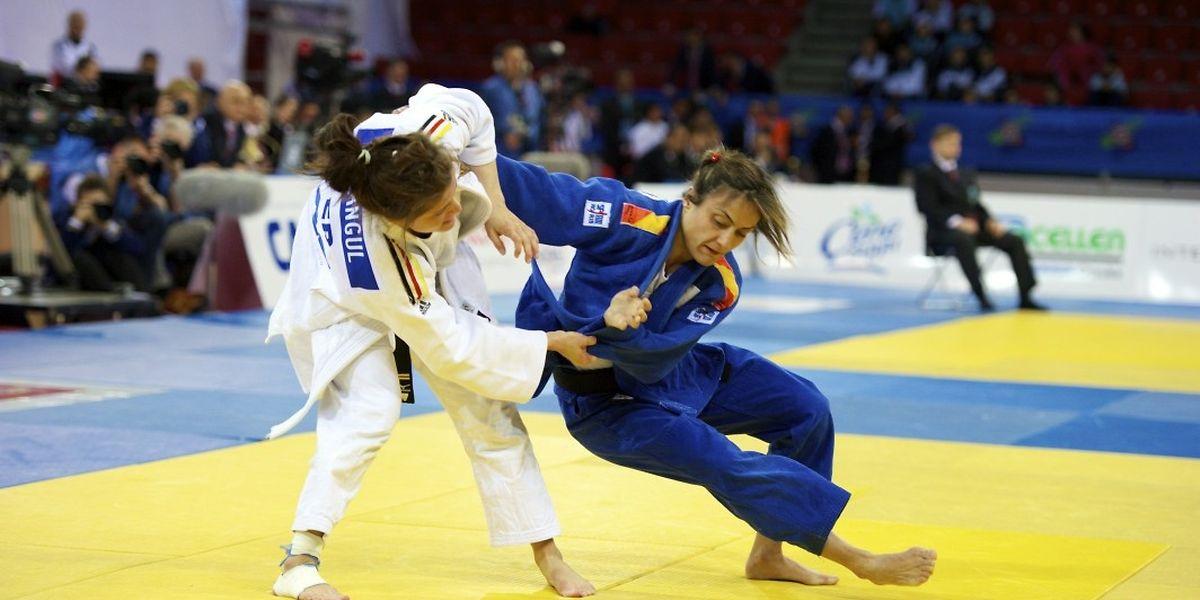 Ana Carrascosa face à l'Allemande Romy Tarangul.