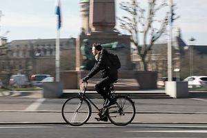 23.3.Wi / LuxVille / Le Business du Velo a Luxembourg/ Fahrrad im Verkehr  Foto:Guy Jallay