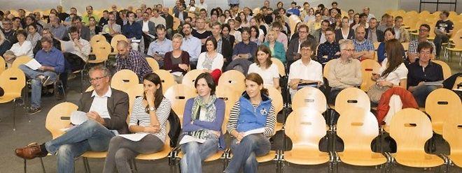 Rund 120 Lehrer waren der Einladung der Gewerkschaften zur Informationsversammlung gefolgt.